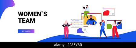 Geschäftsfrauen haben Online-Konferenzen mit Geschäftsfrauen, die während eines Videos diskutieren Ruft mit der Anführerin - Stockfoto
