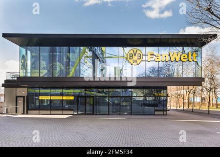 BVB 09 Fan Welt, Fanshop außen mit Logo, Signal Iduna Park, Dortmund, Deutschland