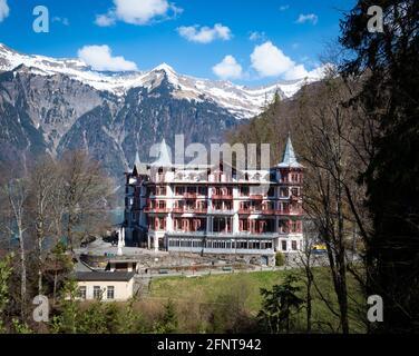 Giessbach, Schweiz - April 20 2021: Berühmtes Grand Hotel Giessbach