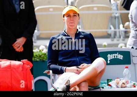 Paris, Frankreich. Juni 2021. Anastasia Pavlyuchenkova aus Russland reagiert enttäuscht auf das French Open Grand Slam Tennisturnier 2021 in Roland Garros, Paris, Frankreich. Frank Molter/Alamy Live Nachrichten