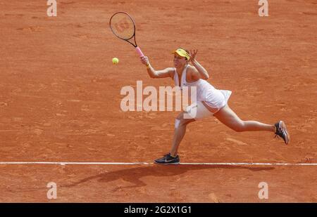 Paris, Frankreich. Juni 2021. Anastasia Pavlyuchenkova aus Russland während des Roland-Garros 2021, Grand Slam Tennisturniers am 12. Juni 2021 im Roland-Garros Stadion in Paris, Frankreich - Foto Nicol Knightman/DPPI Credit: DPPI Media/Alamy Live News