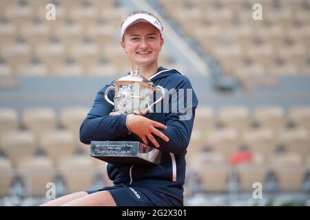Paris, Frankreich. Juni 2021. Barbora Krejcikova während der French Open 2021 bei Roland Garros am 12. Juni 2021 in Paris, Frankreich. Foto von Laurent Zabulon/ABACAPRESS.COM Quelle: Abaca Press/Alamy Live News