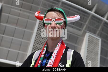 Fußball - Euro 2020 - Gruppe F - Ungarn gegen Portugal - Puskas Arena, Budapest, Ungarn - 15. Juni 2021 Fan vor dem Stadion REUTERS/Bernadett Szabo