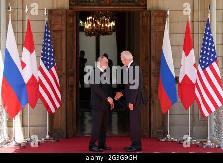 US-Präsident Joe Biden und Russlands Präsident Wladimir Putin treffen sich am 16. Juni 2021 in der Villa La Grange in Genf, Schweiz, zum USA-Russland-Gipfel. REUTERS/Kevin Lamarque