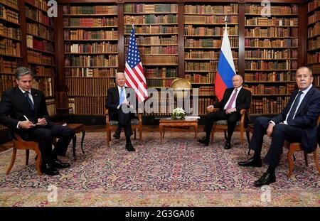 US-Präsident Joe Biden, Russlands Präsident Wladimir Putin, US-Außenminister Antony Blinken und Russlands Außenminister Sergei Lawrow nehmen am 16. Juni 2021 in der Villa La Grange in Genf, Schweiz, am US-Russland-Gipfel Teil. REUTERS/Kevin Lamarque