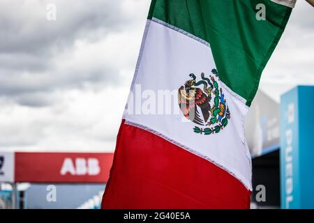 Puebla, Mexiko. 17 2021. Juni: Ambiente unter der Flagge mexikos während des Puebla ePrix 2021, dem 5. Treffen der Formel-E-Weltmeisterschaft 2020-21, auf dem Autodromo Miguel E. Abed vom 18. Bis 20. Juni in Puebla, Mexiko - Photo Germain Hazard/DPPI Credit: DPPI Media/Alamy Live News