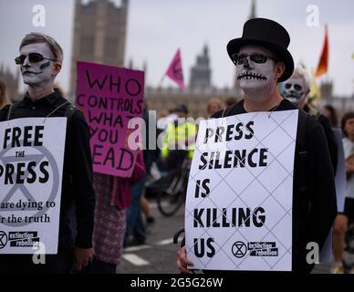 London, Großbritannien - 27. Juni 2021: Befreien Sie die Presse Protest Kredit: Loredana Sangiuliano / Alamy Live News
