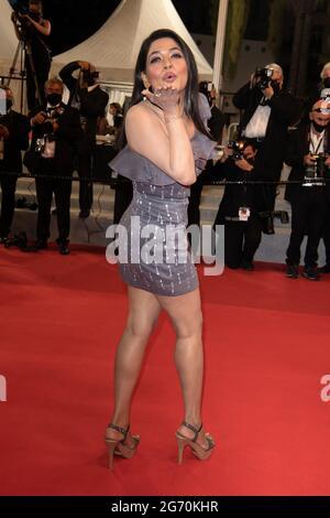 Cannes, Frankreich. Juli 2021. Azmeri Haque Badhon kommt zur Vorführung des Films Rehana Maryam Noor während der 74. Jährlichen Filmfestspiele von Cannes am 08. Juli 2021 in Cannes, Frankreich.Foto von David Niviere/ABACAPRESS.COM Quelle: Abaca Press/Alamy Live News