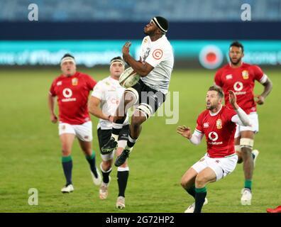 Rugby Union - Lions Tour - Sharks gegen britische und irische Löwen - Loftus Versfeld Stadium, Pretoria, Südafrika - 10. Juli 2021 Shark's Mpilo Gumede in Aktion REUTERS/Sipiwe Sibeko