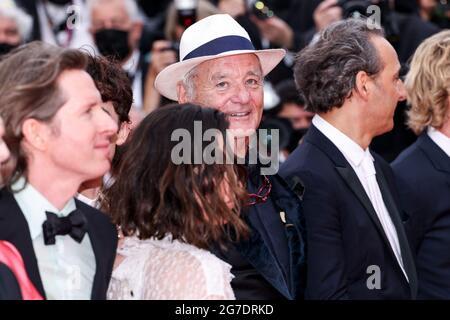 """CANNES - JULI 12: Kommt zur Premiere von """"THE FRENCH DISPATCH"""" während der 74. Filmfestspiele von Cannes am 12. Juli 2021 im Palais des Festivals in Cannes, Frankreich. (Foto von Lyvans Boolaky/ÙPtertainment/Sipa USA)"""