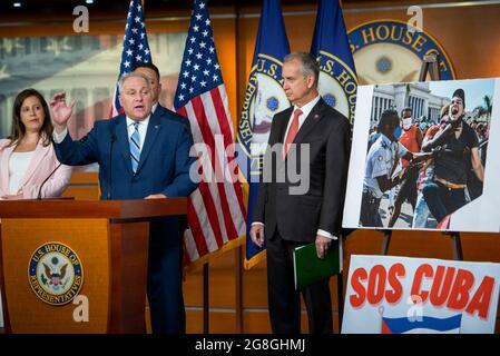 Steve Scalise (Republikaner von Louisiana), ein Minderheitsfrachtiger des Repräsentantenhauses der Vereinigten Staaten, hält am Dienstag, den 20. Juli 2021, im US-Kapitol in Washington, DC, eine Rede. Kredit: Rod Lamkey/CNP /MediaPunch
