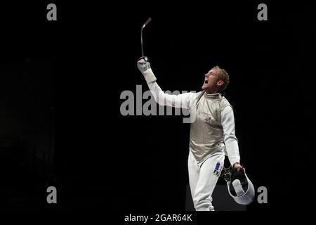 Olympische Spiele 2020 in Tokio - Fechten - Männer Team Foil - Semifinale - Makuhari Messe Halle B - Chiba, Japan - 1. August 2021. Julien Mertine aus Frankreich reagiert auf REUTERS/Molly Darlington