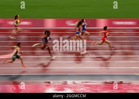 Die Chinesin Xiaoyan Wen auf dem Weg zum Sieg beim 100-m-T37-Finale der Frauen im Olympiastadion am 9. Tag der Paralympischen Spiele in Tokio 2020 in Japan. Bilddatum: Donnerstag, 2. September 2021.