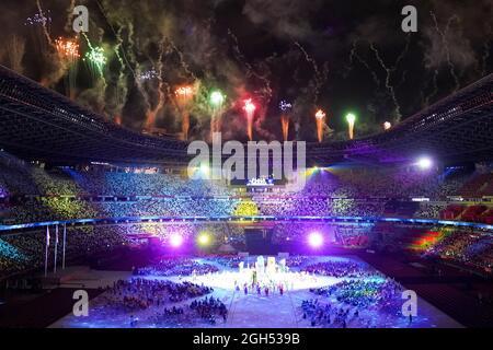 TOKIO, JAPAN - 5. SEPTEMBER: Feuerwerk während der Abschlusszeremonie der Paralympischen Spiele 2020 in Tokio im Olympiastadion am 5. September 2021 (Foto von Helene Wiesenhaan/Orange Picics) NOCNSF Atletiekunie Credit: Orange Pics BV/Alamy Live News