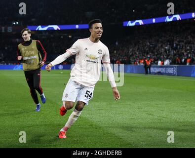 Mason Greenwood von Manchester United feiert den Schlusspfiff während des sechzehn-gewinnt-Spiels der UEFA Champions League im Parc des Princes Stadium in Paris. Bilddatum: 6. März 2019. Bildnachweis sollte lauten: David Klein/Sportimage via PA Images