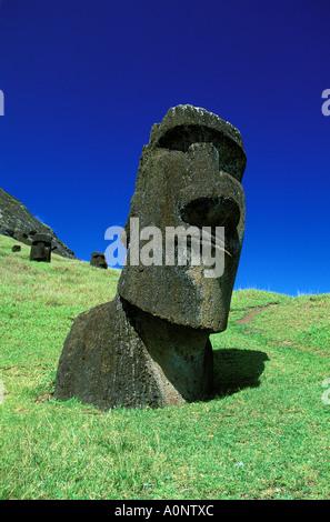 Rapa Nui-Statuen am Rano raraku - Stockfoto