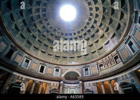 Italien Rom das Pantheon-Interieur - Stockfoto
