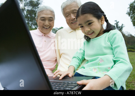 Ältere japanische frauen suchen jüngere männer