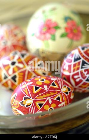 Nahaufnahme von Easter Eggs in Schüssel - Stockfoto