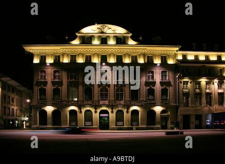Valiant Bank nachts in Bern Schweiz - Stockfoto