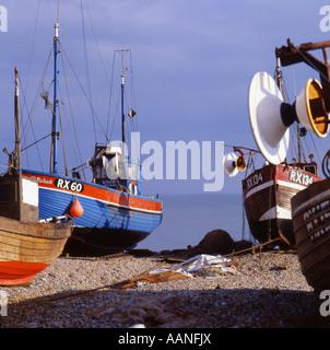 Gestrandeter Angelboote/Fischerboote in Hastings Sussex England UK - Stockfoto