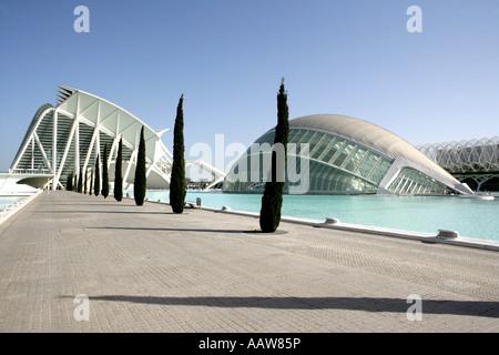 ESP, Spanien, Valencia: Ciudad de Las Artes Y de Las Ciencias, Stadt der Künste und Sience. LHemisferic und Museo - Stockfoto