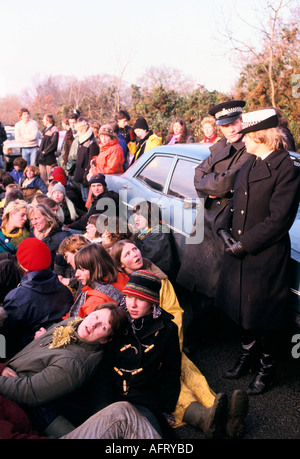 Frauen FRIEDENSCAMP BLOCKADE DER AMERIKANISCHEN USAF NUKLEARE MARSCHFLUGKÖRPER AIR BASE in Greenham Common BERKSHIRE - Stockfoto