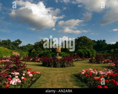 Der Garten am Haus Nonsuch, Nonsuch Park, Cheam, Surrey, Uk - Stockfoto