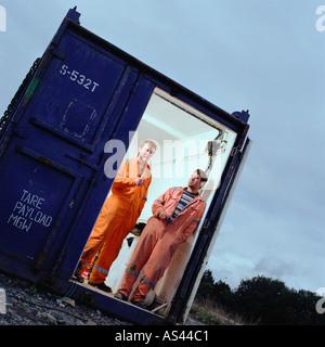 Bauarbeiter in Cargo-container - Stockfoto