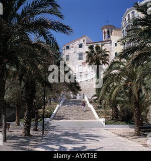 Barocktreppe Zwischen Altstadt Und Hafen, Blick Zur Altstadt, Mahon, Menorca, Balearen - Stockfoto
