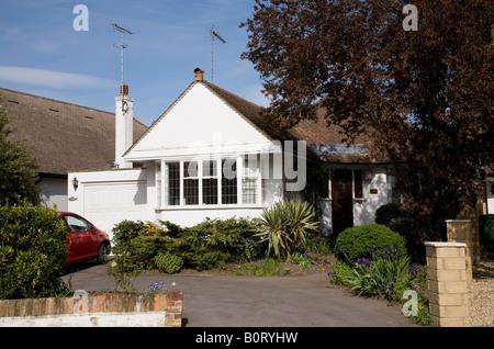Bungalow Haus in Weybridge, Surrey. - Stockfoto