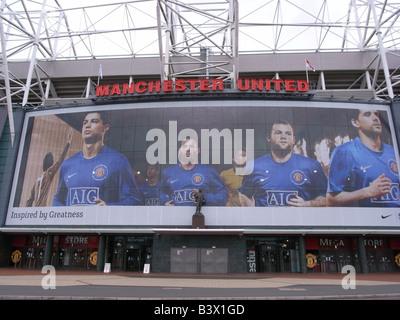 Statue von Sir Matt Busby im Theatre of Dreams, Old Trafford Stadion, Heimstadion von Manchester United Football - Stockfoto