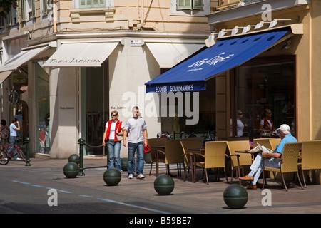Rue d' Antibes, Cannes, Alpes Maritimes, Provence, Cote d ' Azur, Côte d ' Azur, Frankreich - Stockfoto