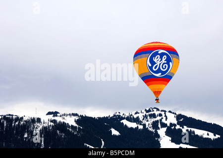 Montgolfier F GSGE Modell CAMERON Z 120 Sponsor GE Energy Products, Internationale Ballonfestival, Chateau d Oex, - Stockfoto