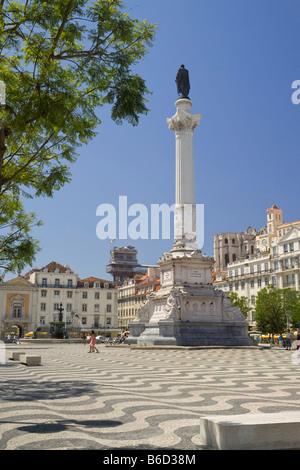 Rossio Platz, Lissabon, Portugal. Die Praça De Dom Pedro IV die Säule mit der Statue von Dom Pedro IV - Stockfoto