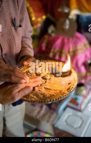 Südafrika. Durban. Indisch-hinduistischen Tempel. Ritual. - Stockfoto