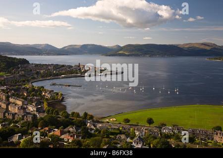 Cardwell Bay Gourock Renfrewshire Schottland Blick von Lyle Hill über den Firth of Clyde Dunoon Ansicht von Lyle - Stockfoto