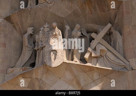 Gruppe von Skulpturen an Leidenschaft Fassade (von Josep Maria Subirachs). Sagrada Familia. Barcelona. Katalonien. - Stockfoto