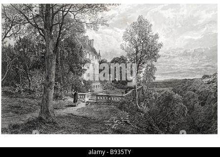 Ravenswood Schloss Haus Herrenhaus Garten Park Wald Landschaft Zeitraum Kleid zu Fuß Mann Tal Wald außerhalb von - Stockfoto