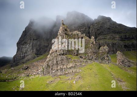 Der Old Man of Storr auf der schottischen Insel Skye, Trotternish, Inneren Hebriden Juli 2009 - Stockfoto