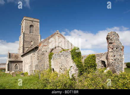 Großbritannien, England, Norfolk, Waxham, St Johns Kirche, Ruinen der alten mittelalterlichen Kapelle - Stockfoto