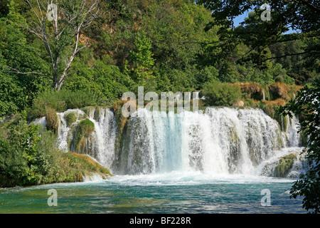 Wasserfall im Nationalpark Krka, Nord-Dalmatien, Kroatien - Stockfoto