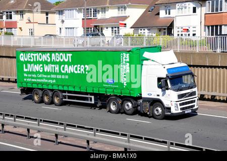 A12 Straße Krebs Anzeige auf Seite der Ford motor Company trailer - Stockfoto