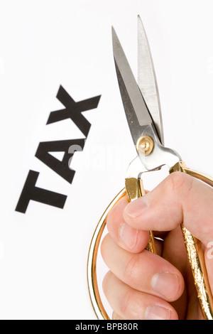 Text von Steuer- und Schere, Konzept der Steuer schneiden - Stockfoto