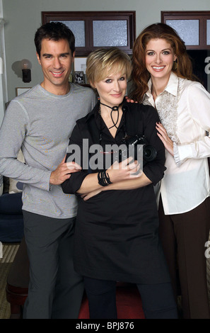ERIC MCCORMACK GLENN CLOSE & DEBRA MESSING WILLEN & GNADE: STAFFEL 5 (2002) - Stockfoto