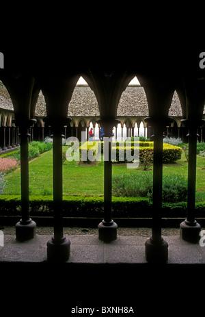Menschen, Touristen, Kloster, Klöster, Le Mont Saint-Michel, römisch-katholisch, französische Abtei, Basse-Normandie, - Stockfoto