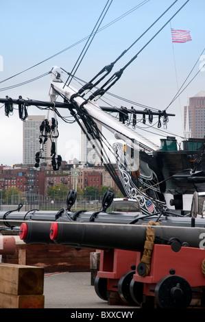 Segelschiff, die Verfassung in der Naval Dockyard in der Stadt Boston, Hauptstadt von Massachusetts in Neuengland - Stockfoto