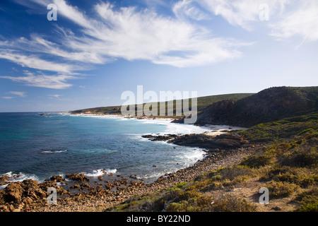 Australien, Western Australia, Leeuwin Naturaliste Nationalpark.  Zerklüftete Küste von Cape Naturaliste. - Stockfoto