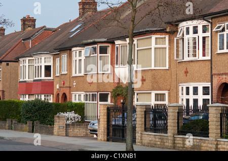 Vorstadtgehäuse im Londoner Stadtteil Enfield. UK - Stockfoto