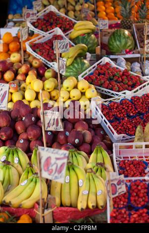 Obst und Gemüse bei der sizilianisches Marktes Palermo Sizilien Italien - Stockfoto